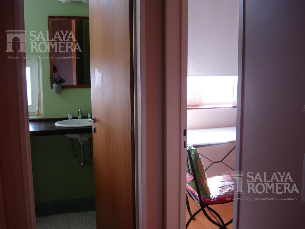 departamento 3 ambientes con cochera para hasta 4 autos y patio en planta baja - piso en olivos
