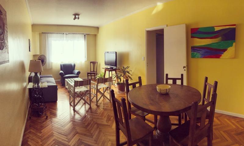 departamento 3 ambientes con dependencia en edificio de estilo