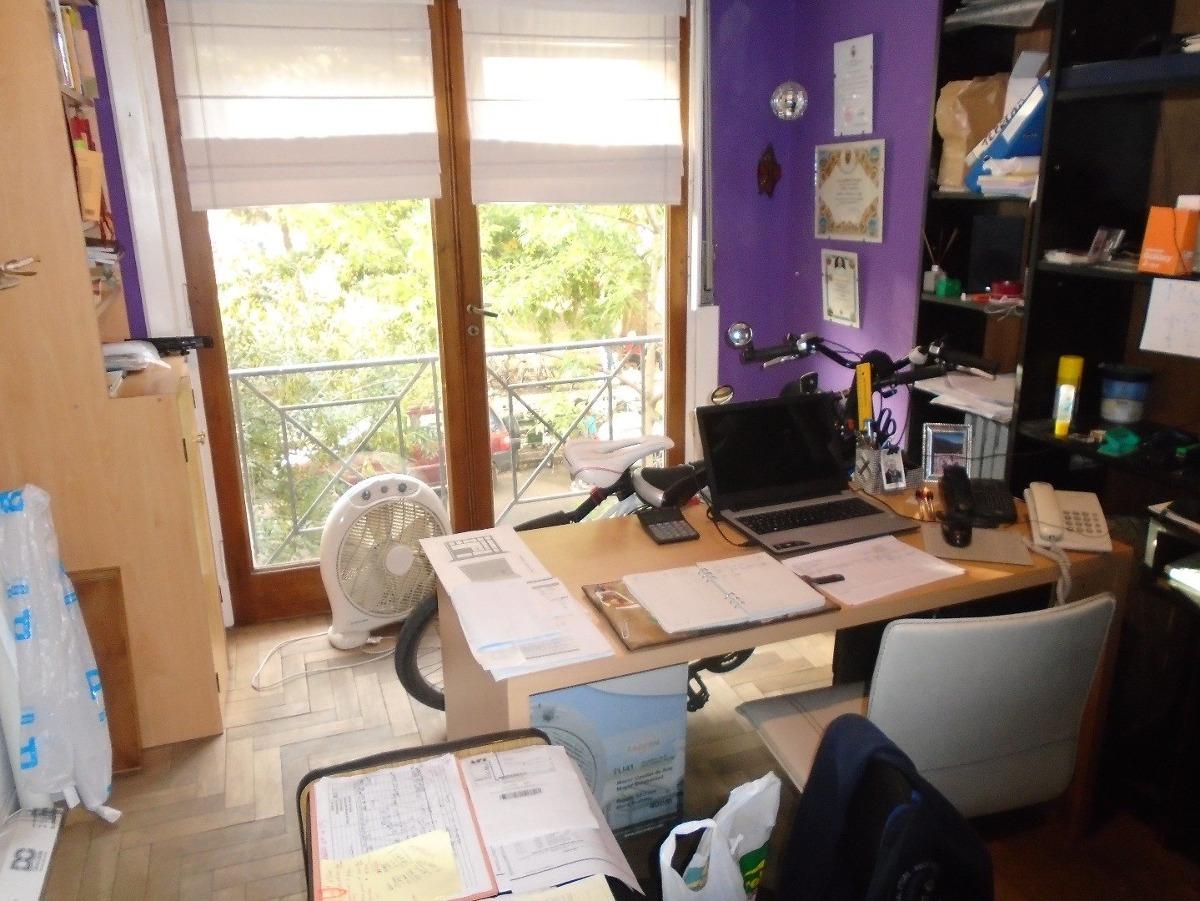 departamento 3 ambientes con dependencia vista a la plaza mitre