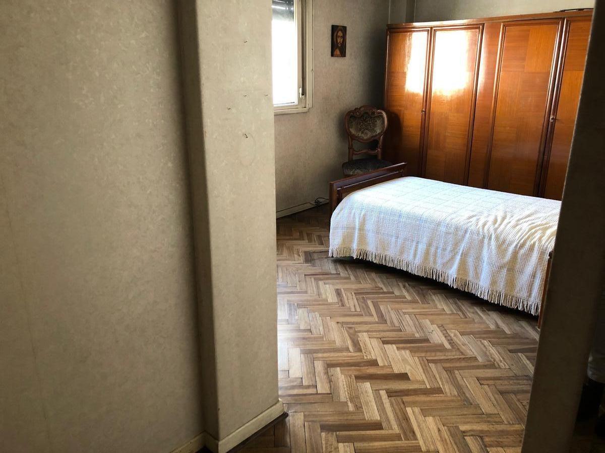 departamento 3 ambientes con dependencia y 2 baños - flores