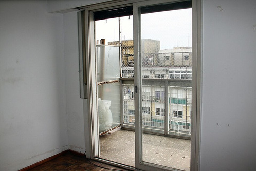 departamento 3 ambientes con dos balcones. apto credito.