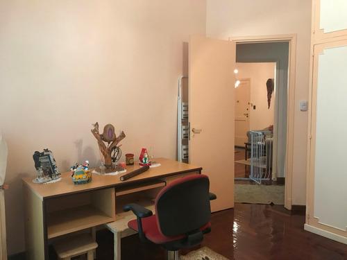 departamento 3 ambientes contrafrente por escalera