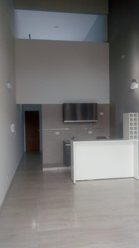 departamento 3 ambientes en planta alta.