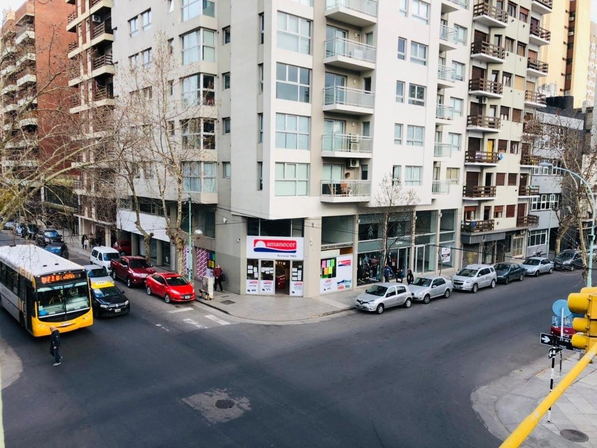 departamento 3 ambientes externo a la calle en zona la perla en venta!