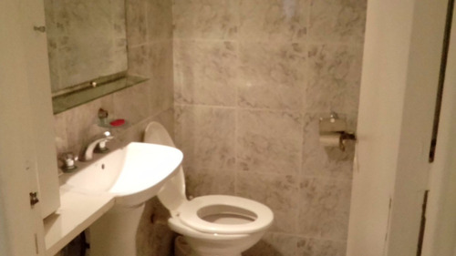 departamento 4 ambientes, 2 baños, muy buena ubicación