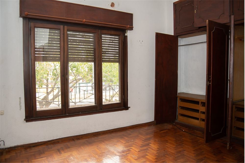 departamento 4 ambientes con balcón y patio
