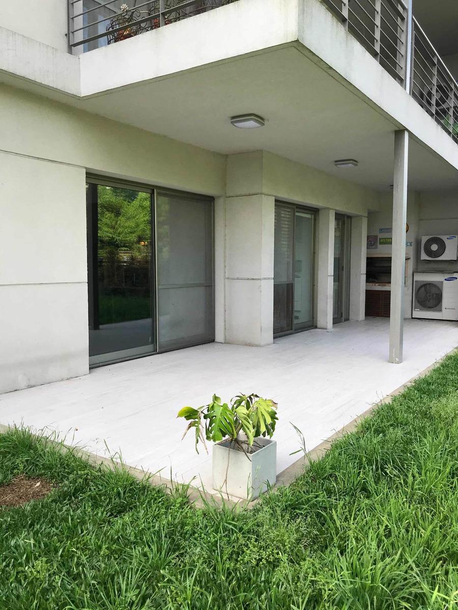 departamento 4 ambientes con jardín y dos cocheras