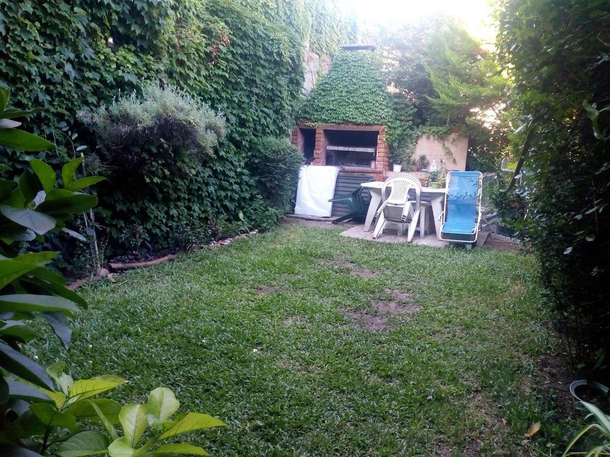departamento 4 ambientes con jardin y parrilla