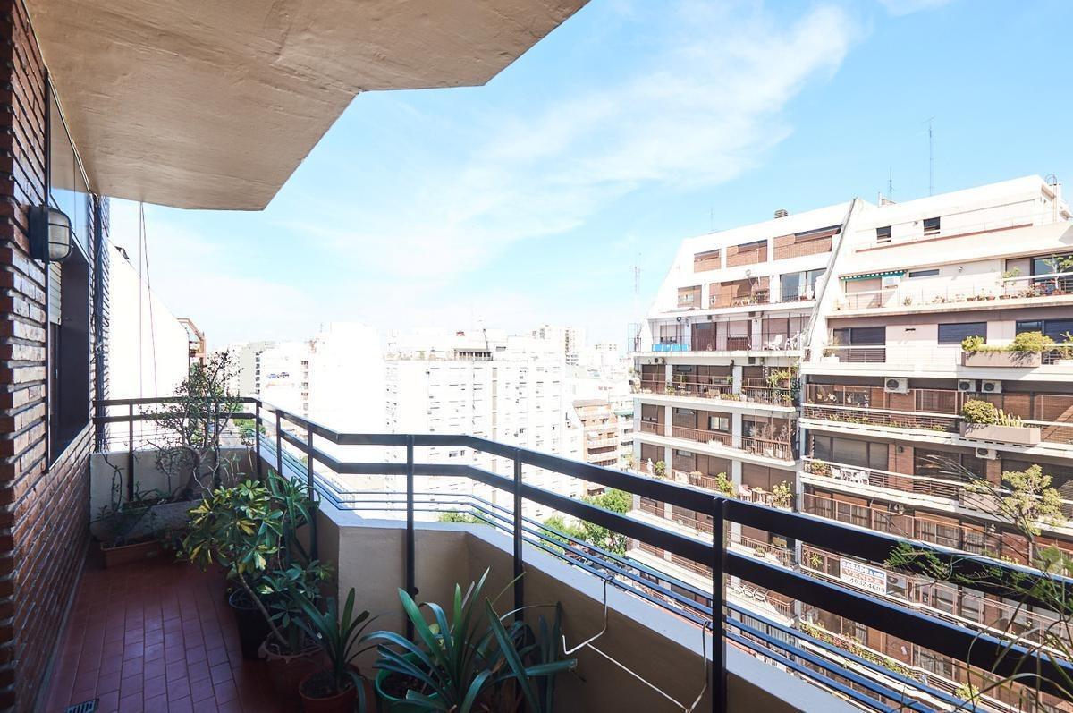departamento - 4 ambientes - dep - cochera -balcón - flores