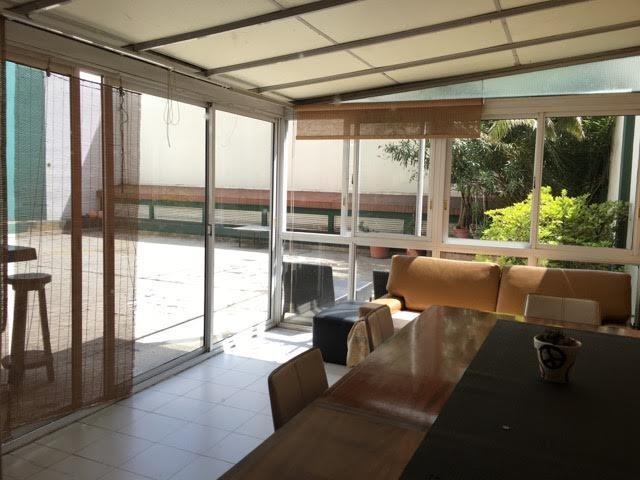 departamento 4 ambientes, en planta baja, con gran patio a la venta,torre de categoría.