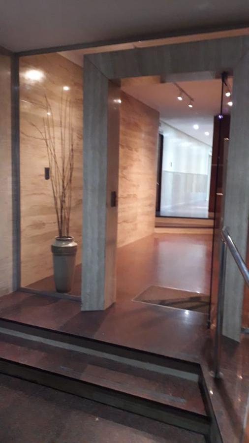 departamento 4 ambientes en venta con patio y cochera - caballito