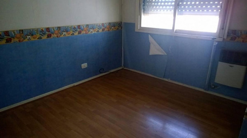 departamento 4 ambientes lateral toilete y baño completo