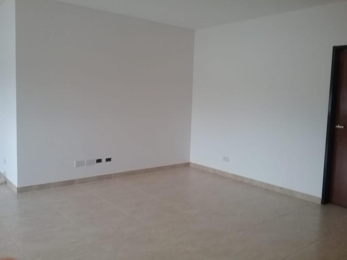 departamento al frente 2 dormitorios y cochera cubierta-80 mts 2 - barrio gambier