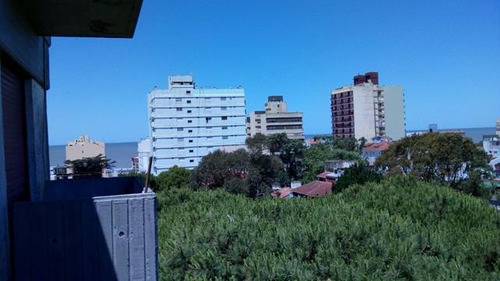 departamento al frente con balcon