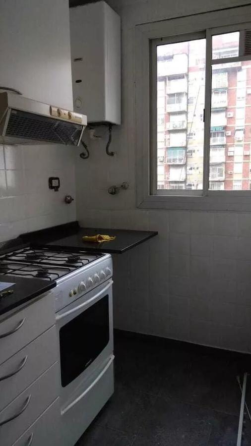 departamento - barrio norte - dos ambientes en muy buena zona a muy buen precio!!