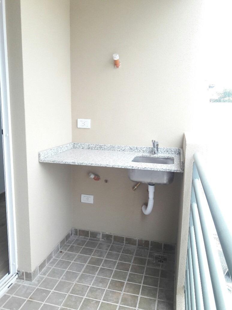 departamento c/bcon y parrilla 2 ambiente en villa luzuriaga