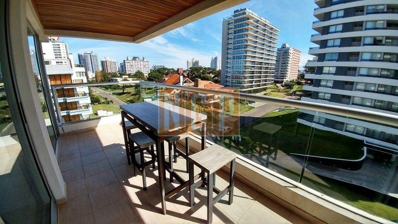 departamento con 2 dormitorios y 2 baños. amplio departamento de ambientes generosos. con muy buena luz y exposición solar. en torre con se-ref:6701