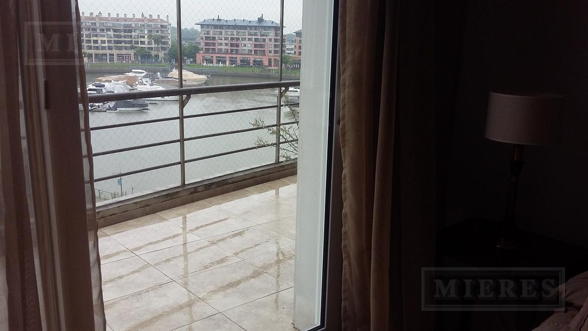 departamento con amarra y muy buena vista al rio - miradores de la bahia -nordelta
