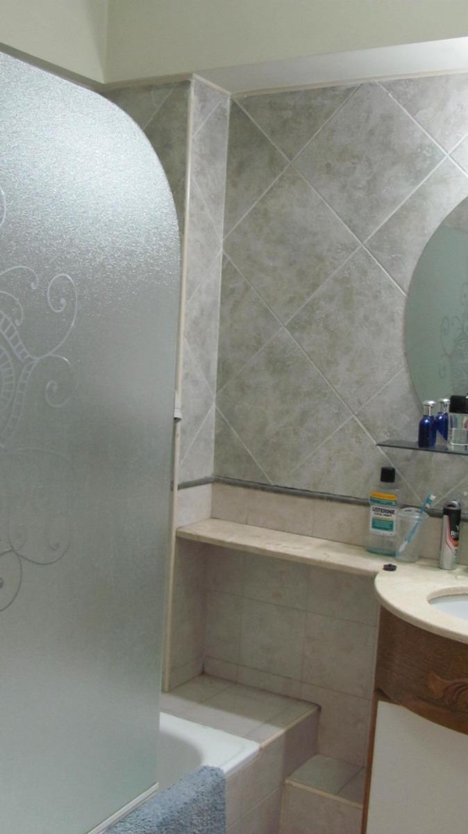 departamento con cochera de 6 ambientes y 2 baños