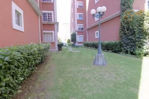 departamento con jardín privado
