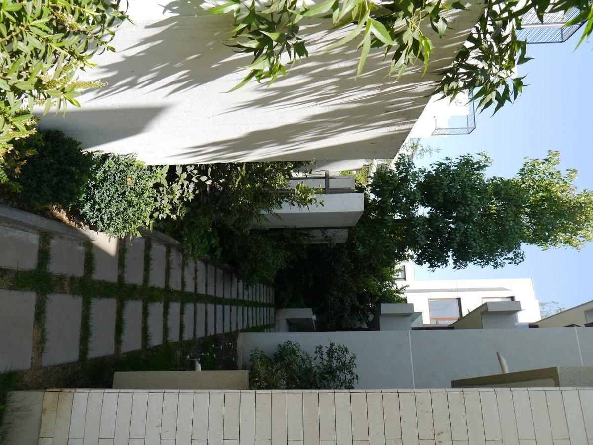departamento con jardín privado en la dehesa