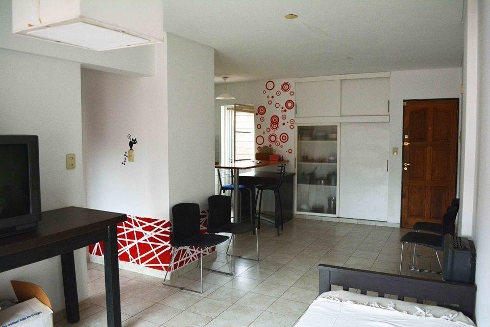departamento con patio exclusivo - 1 dormitorio - cerca facultad medicina