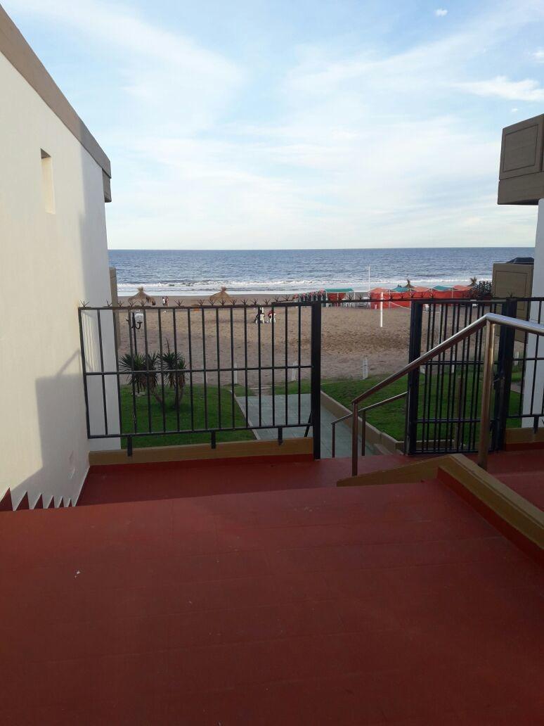 departamento con vista al mar directa 139 y playa