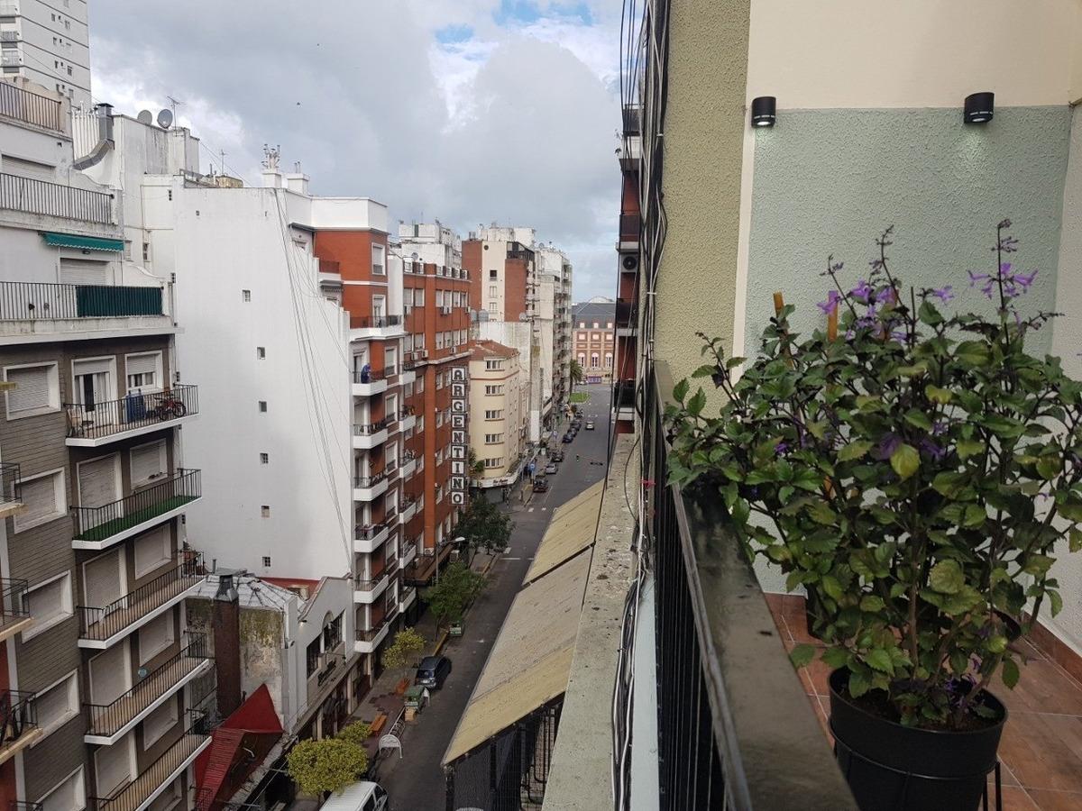departamento de 1 ambiente a la calle con balcón -reciclado