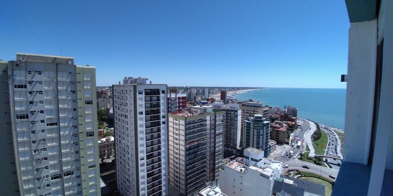 departamento de 1 ambiente y medio amplio con hermosa vista al mar. ideal renta!!
