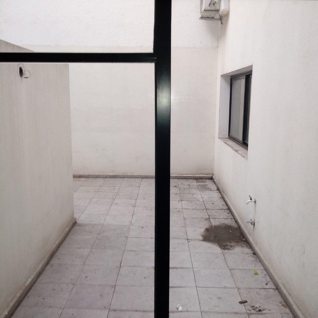 departamento de 1 dormitorio con patio - frente al parque independencia