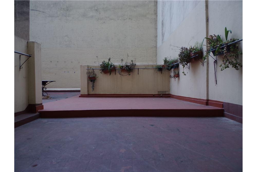 departamento de 150m2 con enorme terraza propia