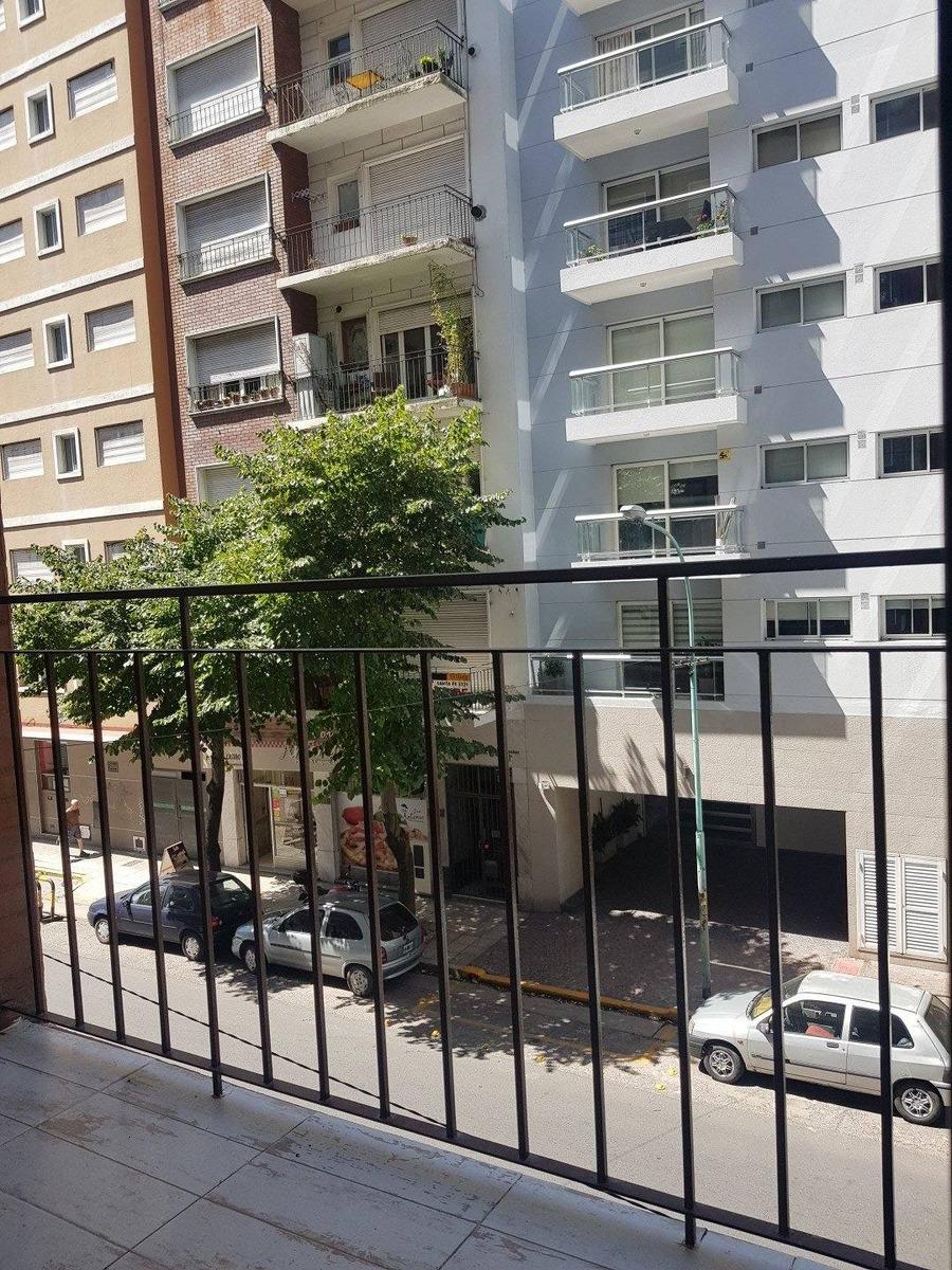 departamento de 2 amb a la calle con balcon / zona aca