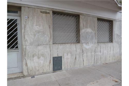 departamento de 2 amb c/patio pb al frente