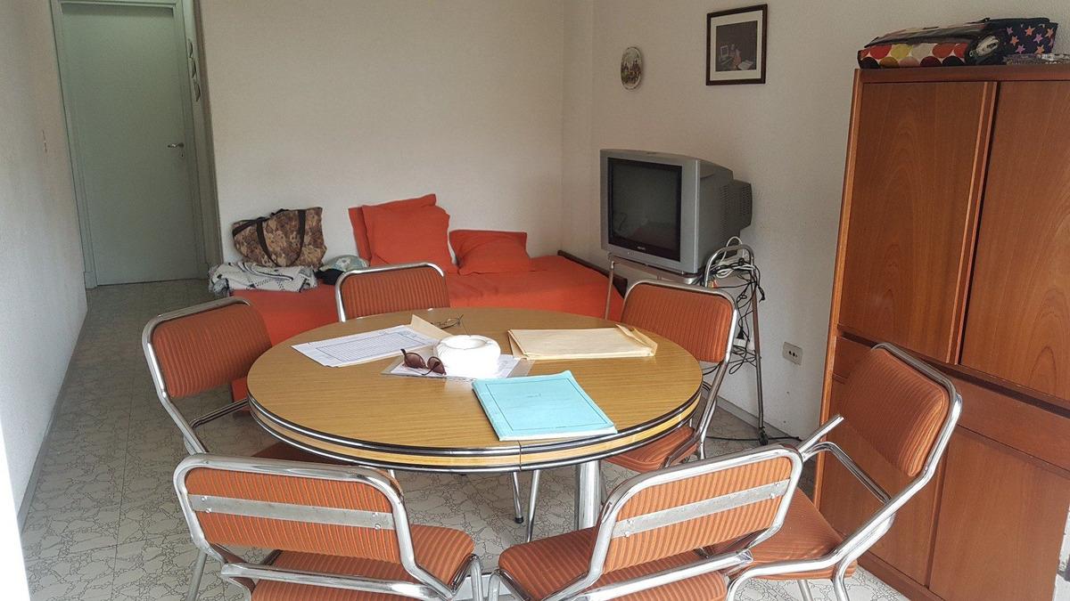 departamento de 2 ambientes a la calle con balcon /  zona macro-centro  /  mar del plata