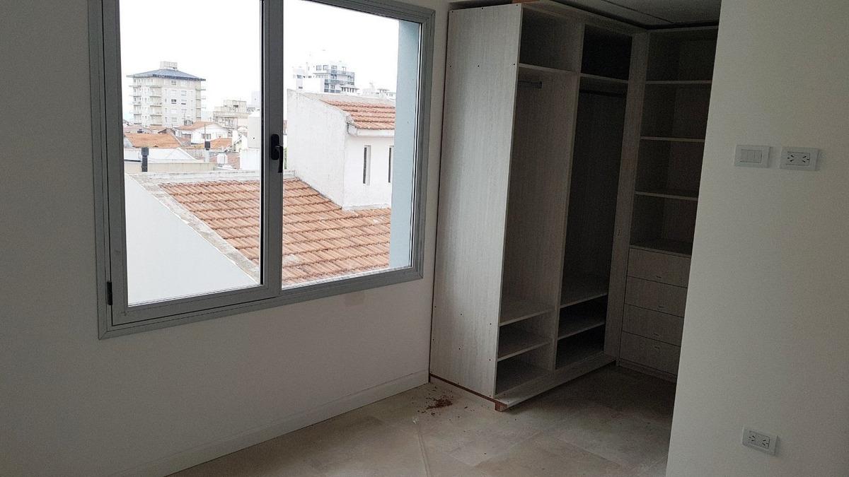 departamento de 2 ambientes al frente. dormitorio en suite. quincho y lavadero. zona museo mar