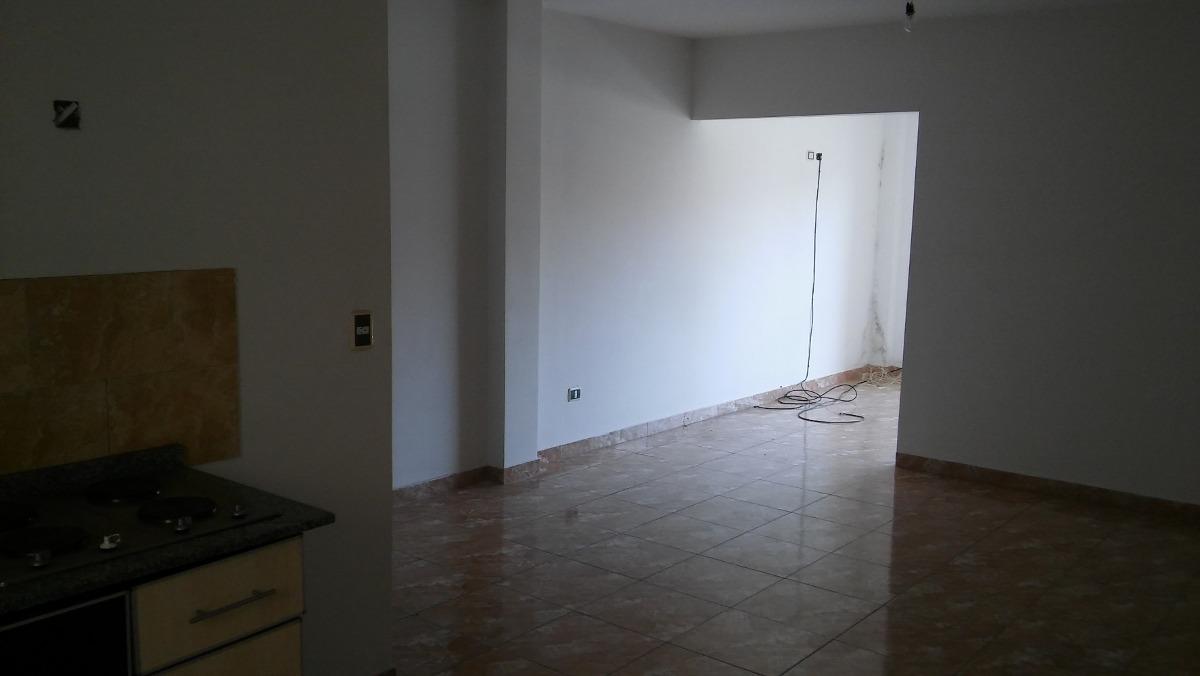 departamento de 2 ambientes con cochera