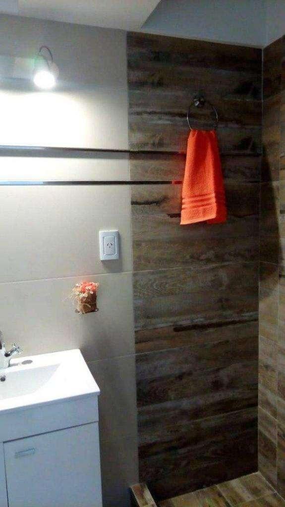 departamento de 2 ambientes muy amplios, totalmente reciclado con buen gusto y calidad!!