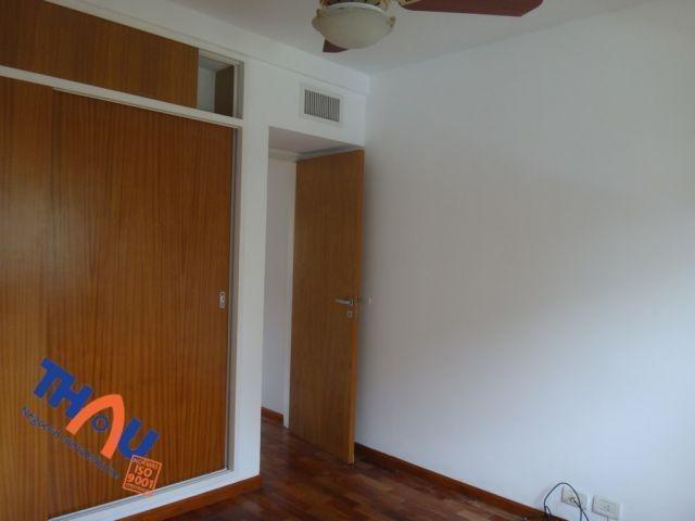 departamento de 2 dormitorios, aire y calefacción central, living comedor con salida al balcón con parrillero, cocina equipada, íntimo, baño con bañera, cochera. amenities: piscina, quincho.