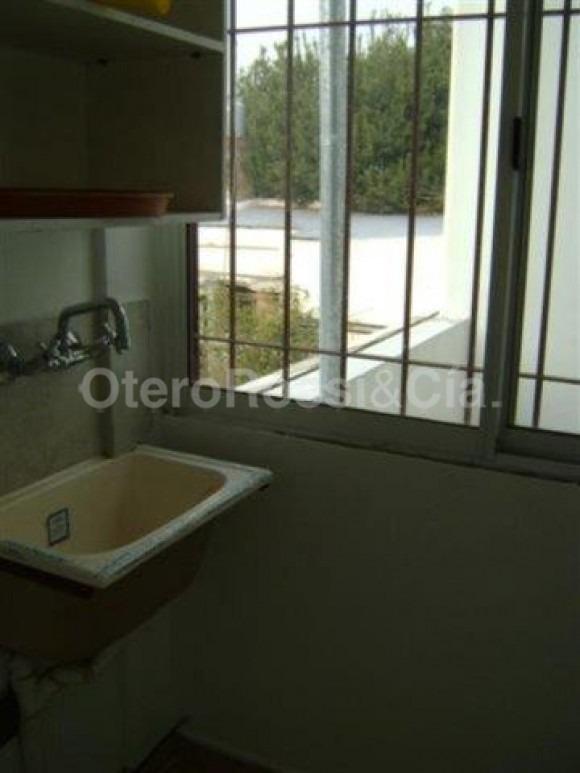 departamento de 2 dormitorios en 74 (6 y 7), villa elvira