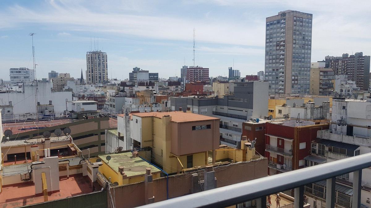 departamento de 3 amb a la calle con balcon / zona centro