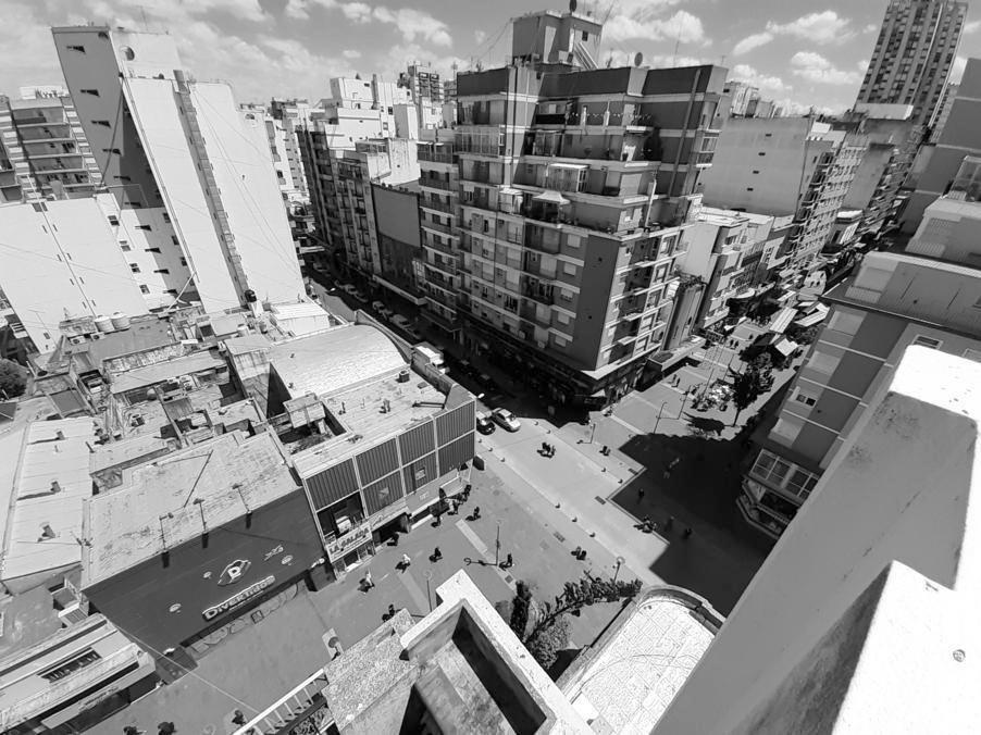departamento de 3 amb a la calle con gran balcón terraza