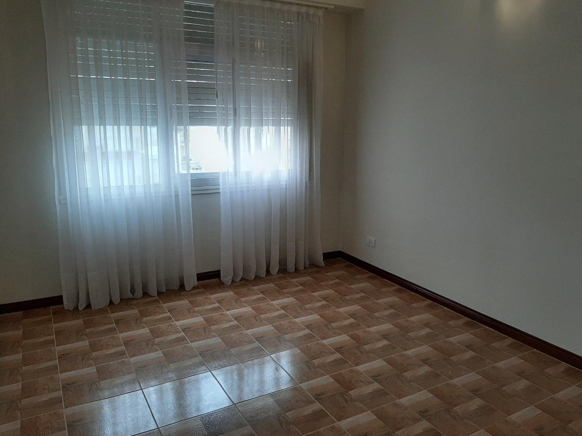 departamento de 3 amb con balcon terraza en venta