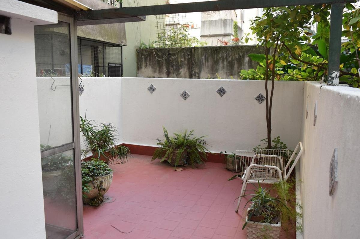 departamento de 3 amb con patio y terraza - bajas expensas!!!