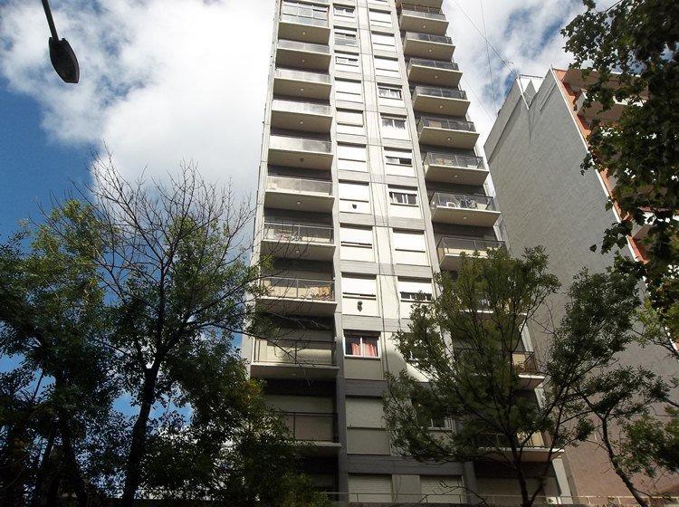 departamento de 3 ambientes a la calle con balcon en venta mar del plata