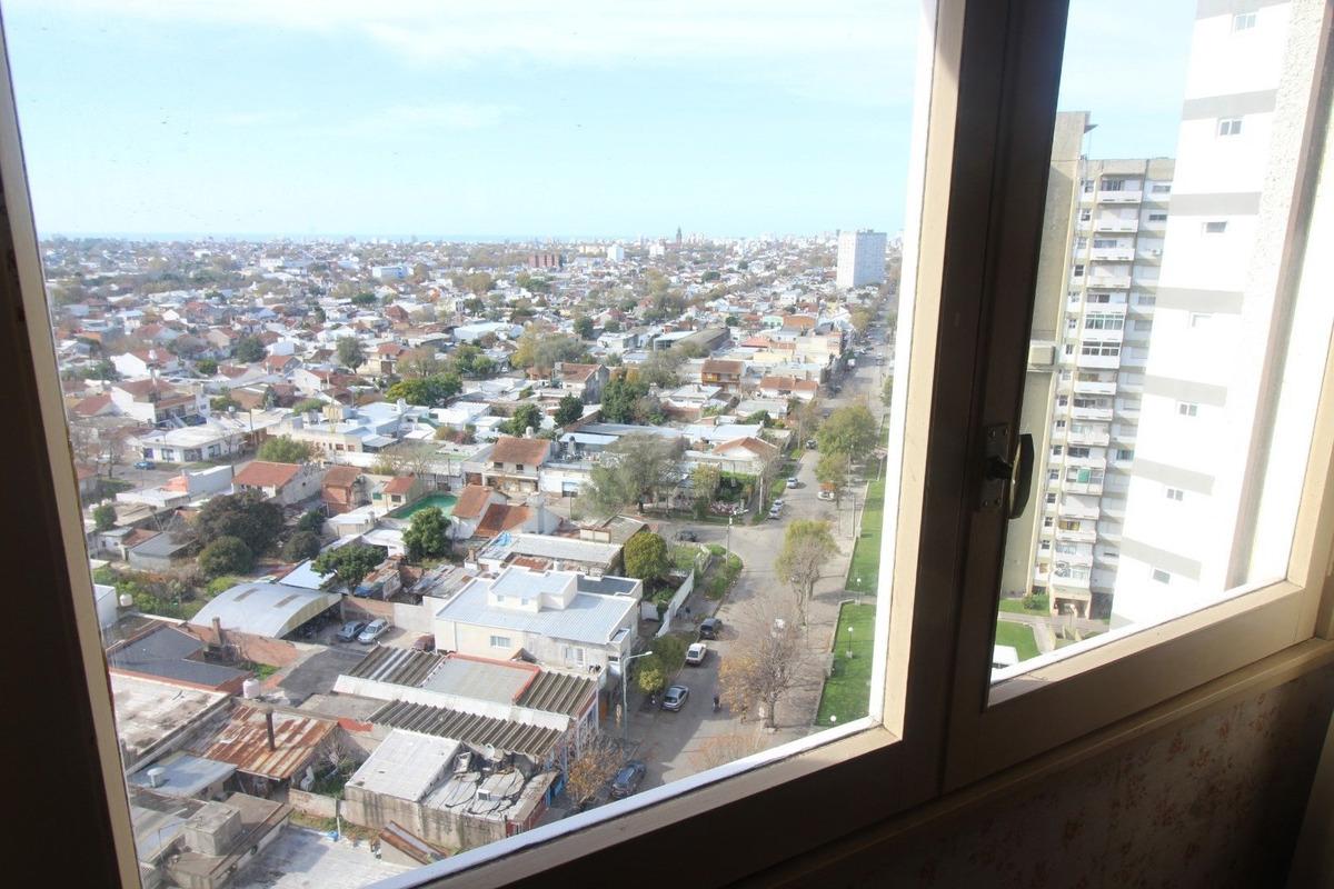 departamento de 3 ambientes a la calle. piso 14, vista panorámica a la ciudad!