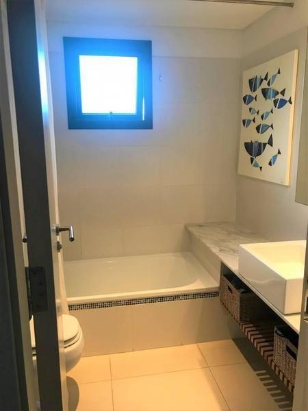 departamento de 3 ambientes con cochera en venta en san isidro - alem 400