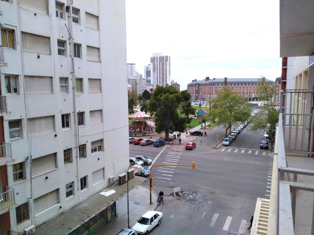 departamento de 3 ambientes con dependencia  a la calle con balcón.