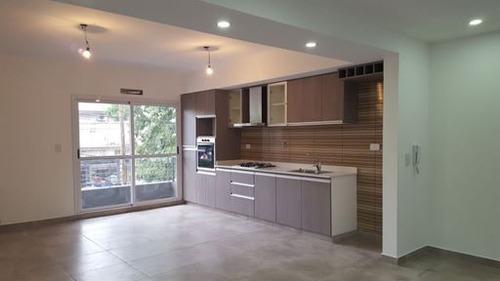 departamento de 3 ambientes con patio // venta // san justo