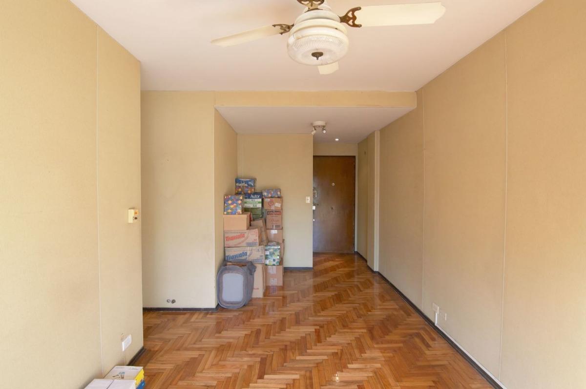departamento de 3 ambientes  contra frente c/balcón almagro, capital federal