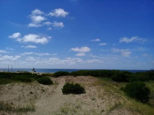 departamento de 3 ambientes en venta sobre el golf de costa esmeralda   pileta!